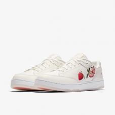 Кросівки жіночі Nike W Grandstand II Pinnancle