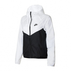 Вітровка жіноча Nike Sportswear Windrunner Women's Jacket BV3939-101