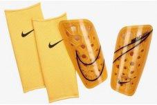 Футбольні щитки Nike Mercurial Lite SP2120-845