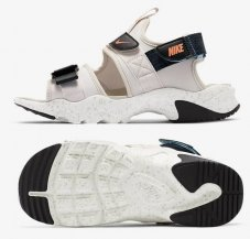 Сандалі жіночі Nike Canyon CV5515-004